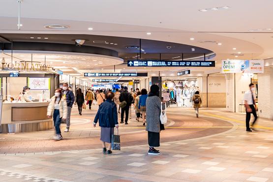 横浜駅東口地下街ポルタ