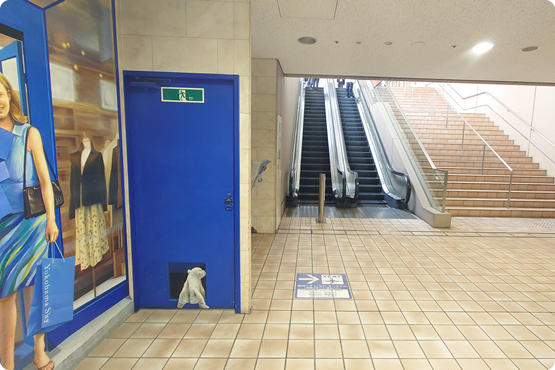 ヨコハマスカイビル1階